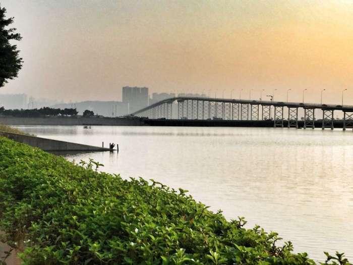 Drei Brücken verbinden Macau mit der Casino-Insel Taipa