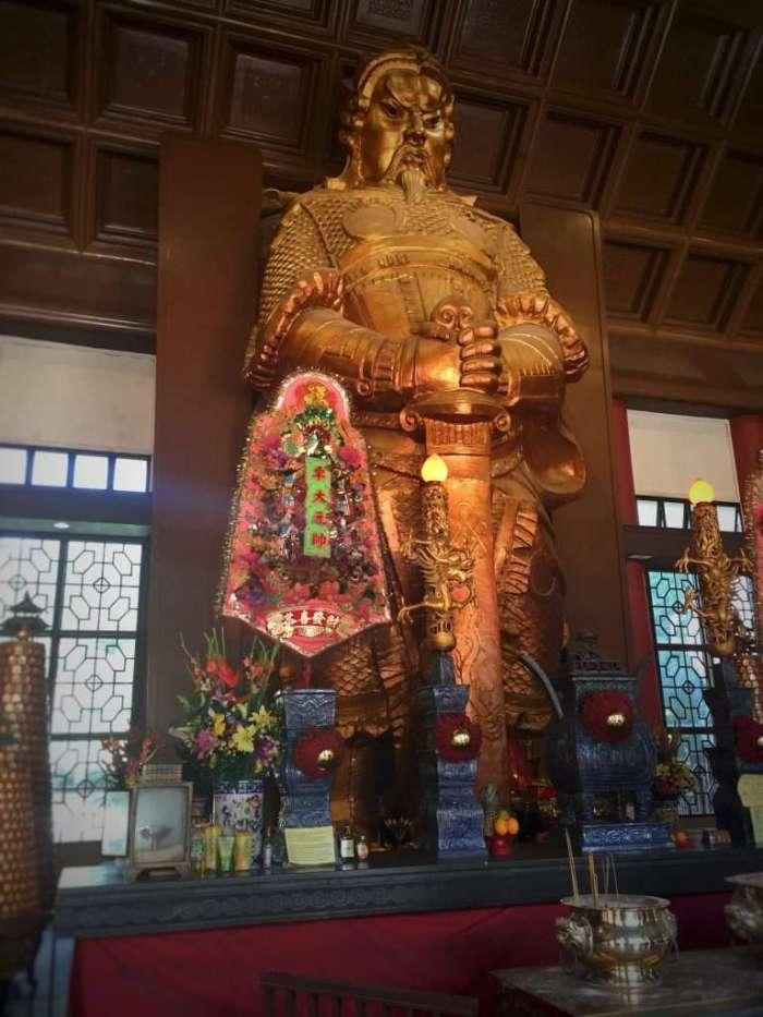 Großer Buddha im Che Kung Tempel