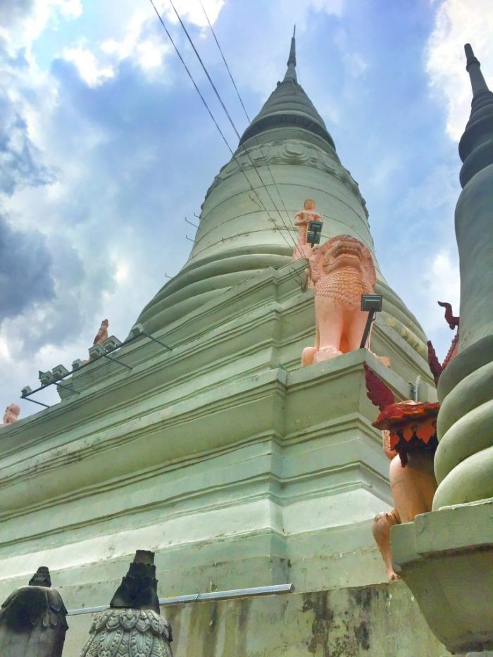 Von diesem Tempel ist der Name Phnom Penh abgeleitet