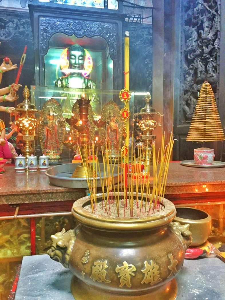 Im Inneren des Jadekaiser-Tempels