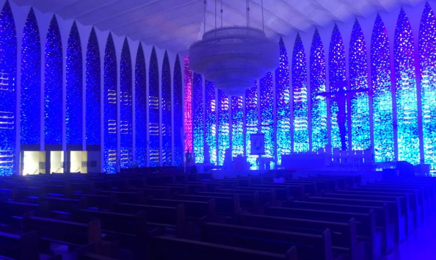 Die blaue Kirche in Brasilia
