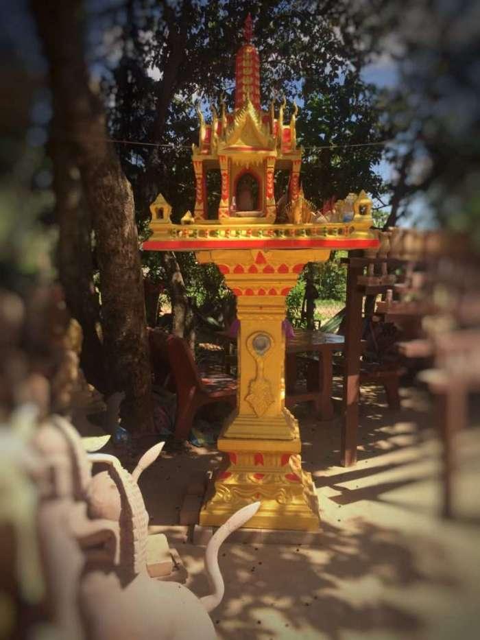 Geisteshäuser stehen in Kambodscha und Thailand vor fast jedem Haus