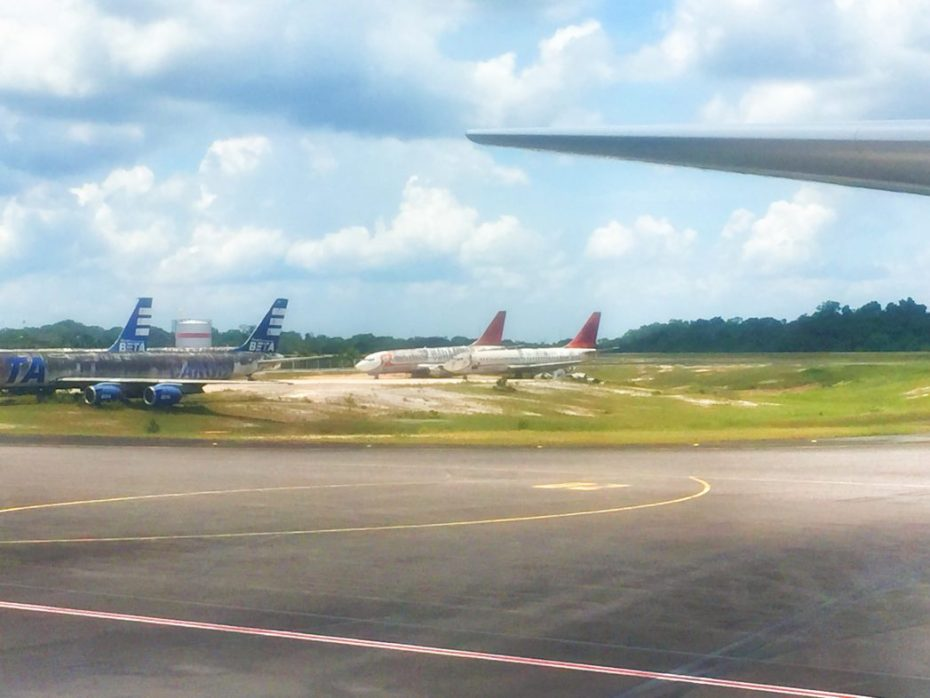 Flugzeug-Friedhof am Flughafen Manaus