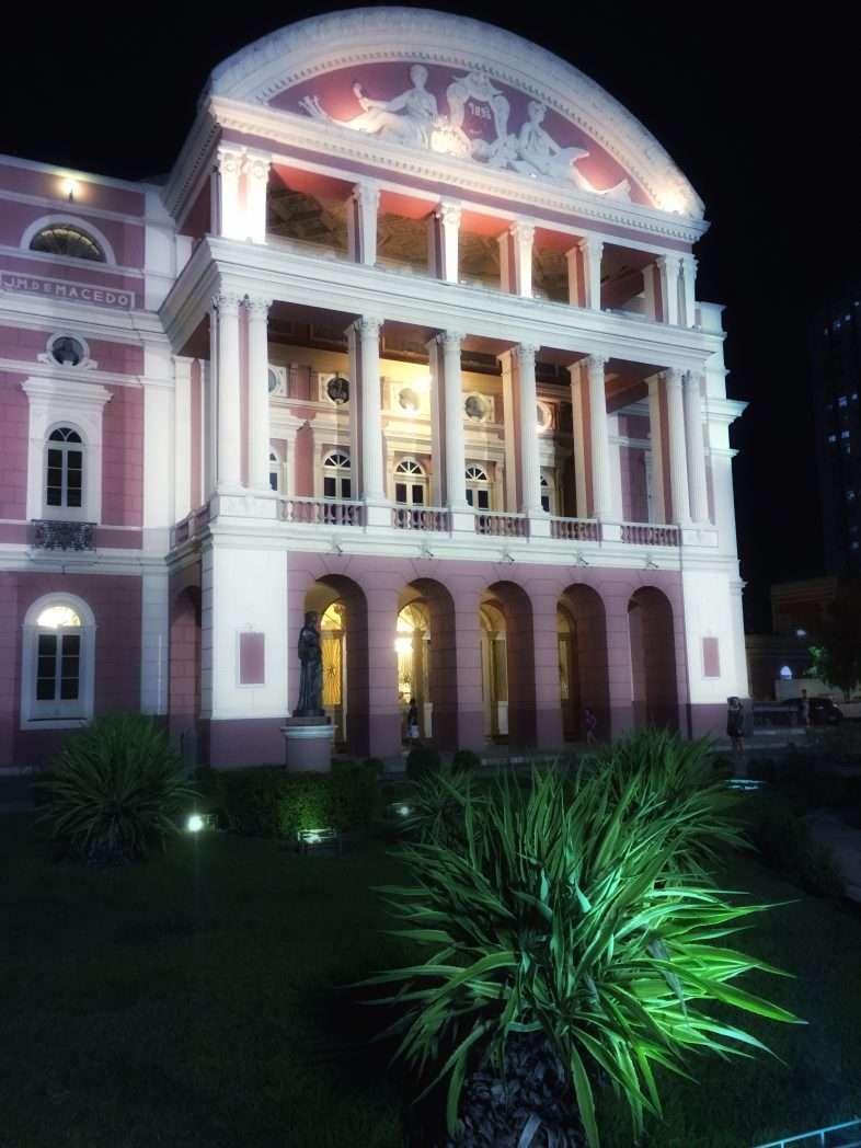 Die Fassade am Abend