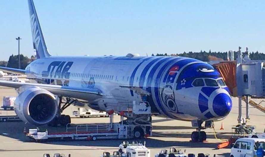 """ANA – Flugzeug in """"Star Wars"""" – Lackierung"""
