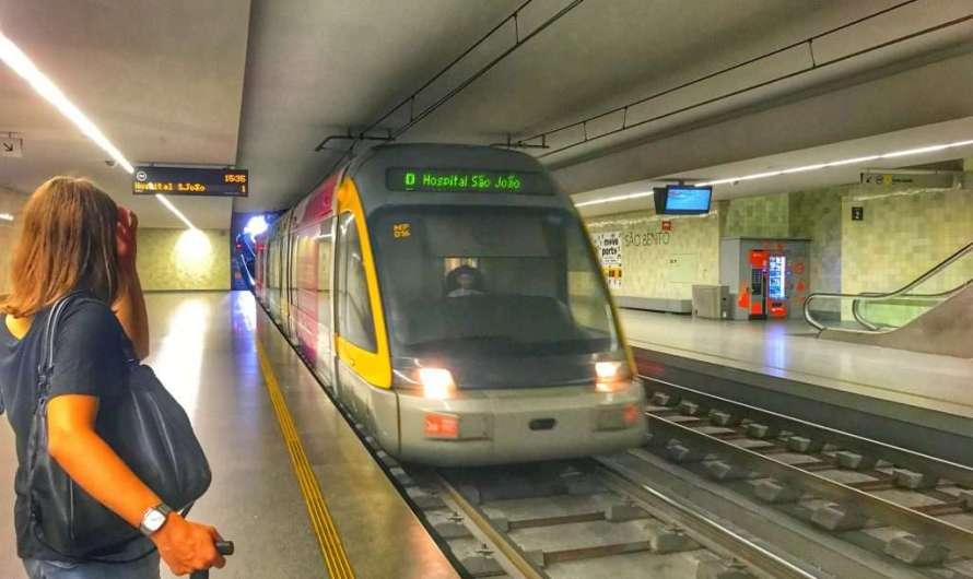 Mit der Metro vom Flughafen nach Porto