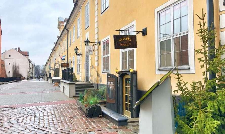 Die Jakobskasernen und der Pulverturm in Riga