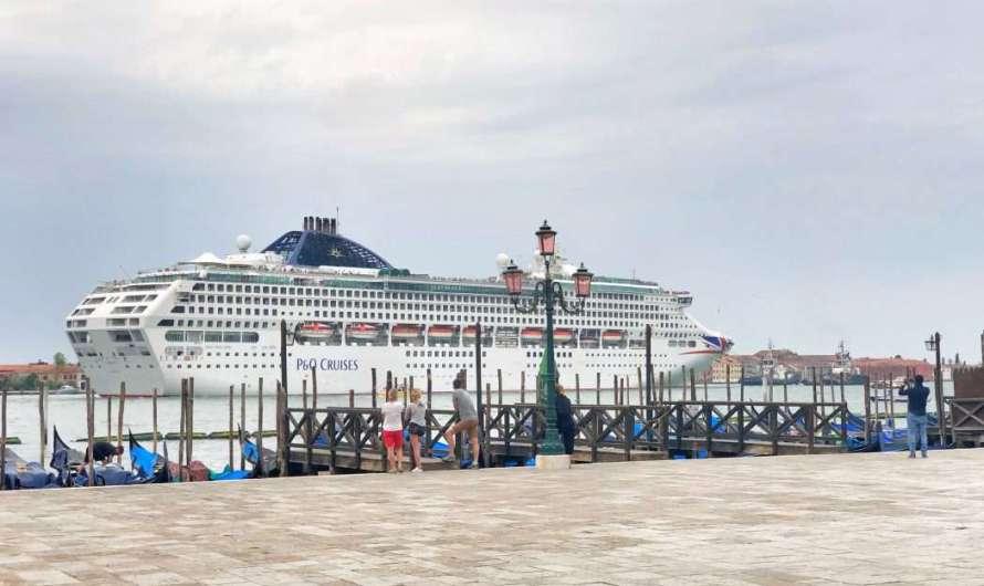 Kreuzfahrtschiffe in Venedig
