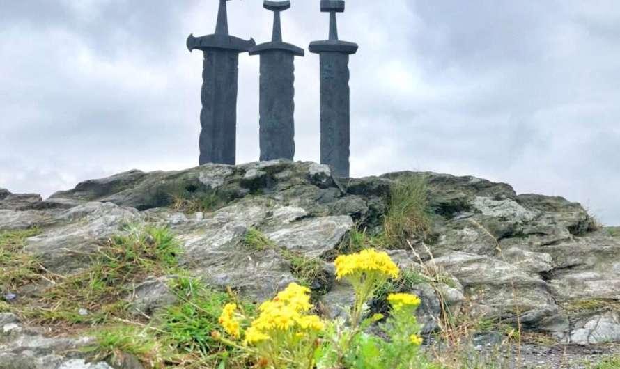 Die drei Schwerter im Fels in Stavanger