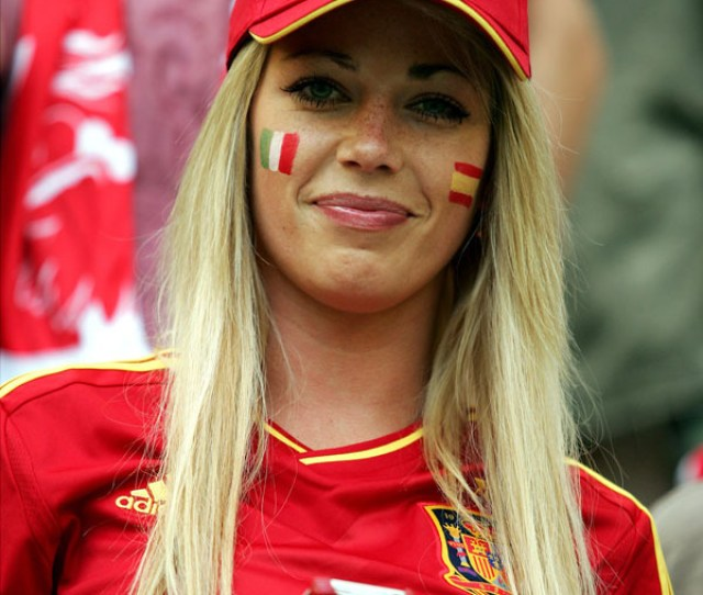 Sexy Spanish Girl Euro  Colorfully