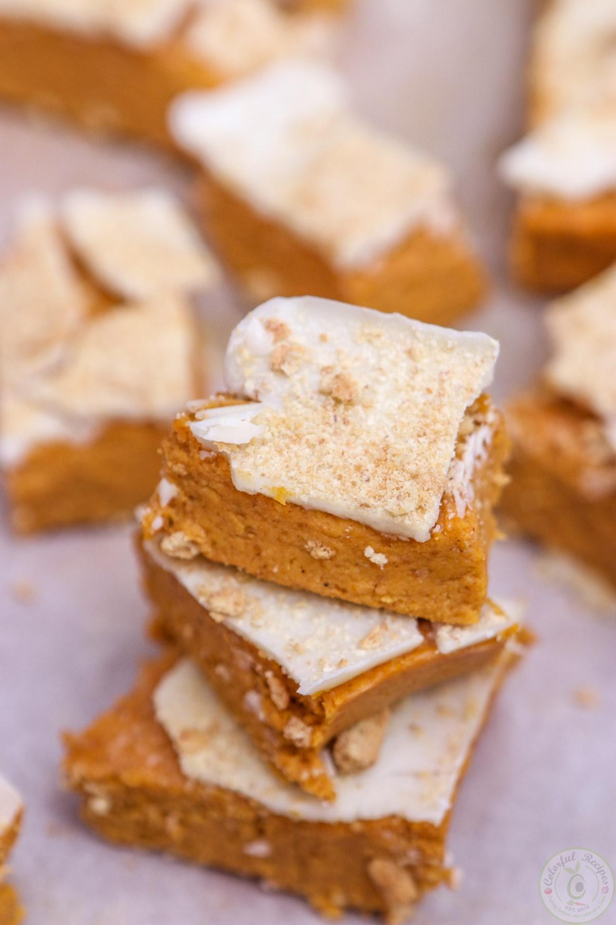 Happy Thanksgiving No Bake Pumpkin Cheesecake Bites