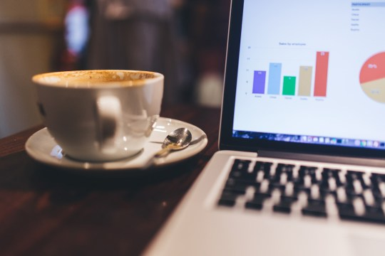 stocksnap_s3je5yamnd-accounting-money-coffee