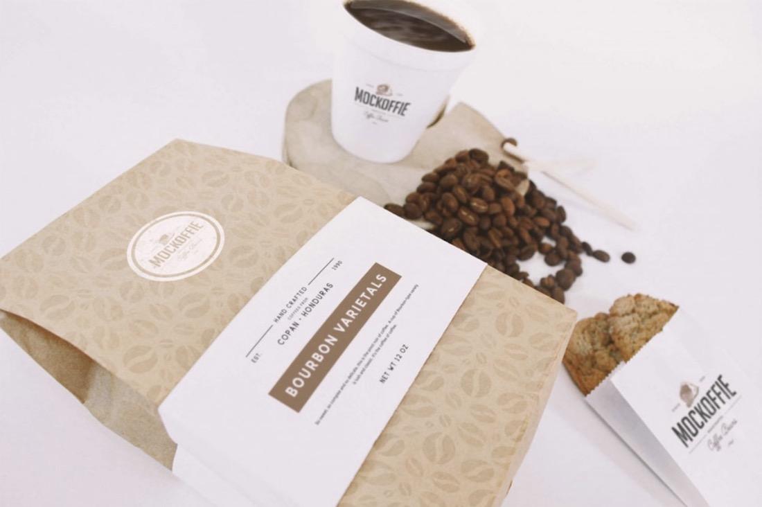 maqueta de marca de café gratis