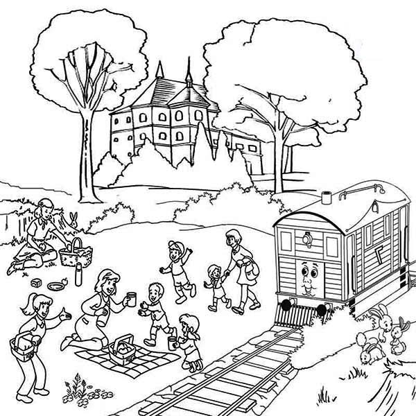 Family Vacation Beside Railroad Coloring Page : Color Luna