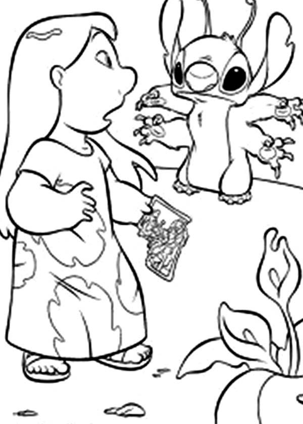 Stitch Broke Lilo Family Photo in Lilo & Stitch Coloring
