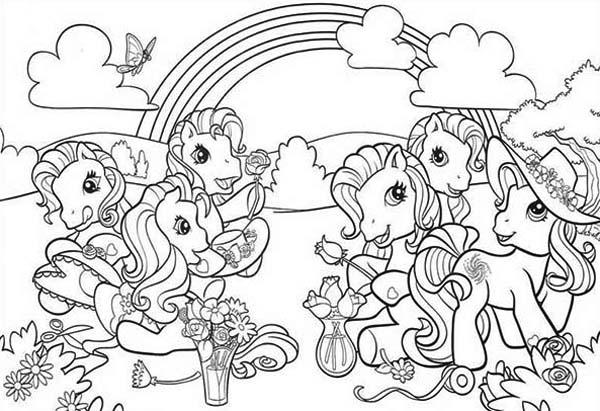 My Little Pony Doing Flower Arrangement Coloring Page