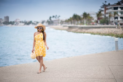 yellow, floral, dress, puerto vallarta, mexico, malecon, courtyard, colorsofmei, mei, meileilan, travel blog, fashion blog, old navy dress