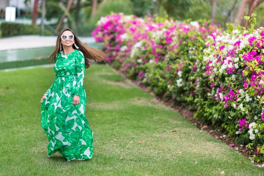 palm print, maxi dress, green dress, long sleeve dress, summer dress, puerto vallarta, mexico, color of the year, maxi dress, palm print sundress, wisconsin blogger, fashion blogger, vibrant color dress, affordable maxi dress, greenery color of the year ideas, outfit ideas, cheap outfit, cheap outfit ideas, maxi dress, summer dress