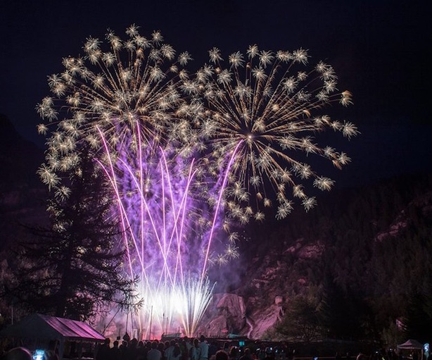 614px511-vette-d_artificio2015-ai-piedi-del-MoteRosa-fonte-paginafacebookevento