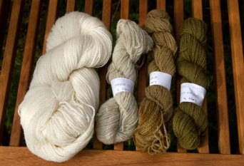 lichen / lav undyed on the left