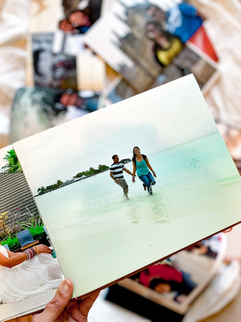 Picture books in romantic Maldives -10 Ideas for valentines day at home