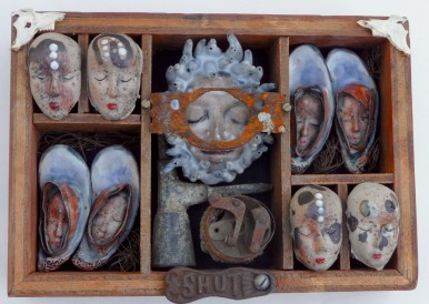 Joanne Bohannon | Lost and Found | Ceramic, found objects | 14 x 8