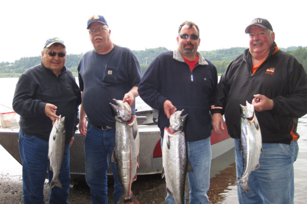 Summer Chinook fishing on the Columbia River with a very fun group of guys.