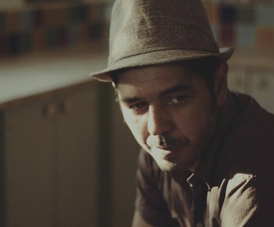 חיווט מחדש: על אלבום הבכורה של אסף איילון