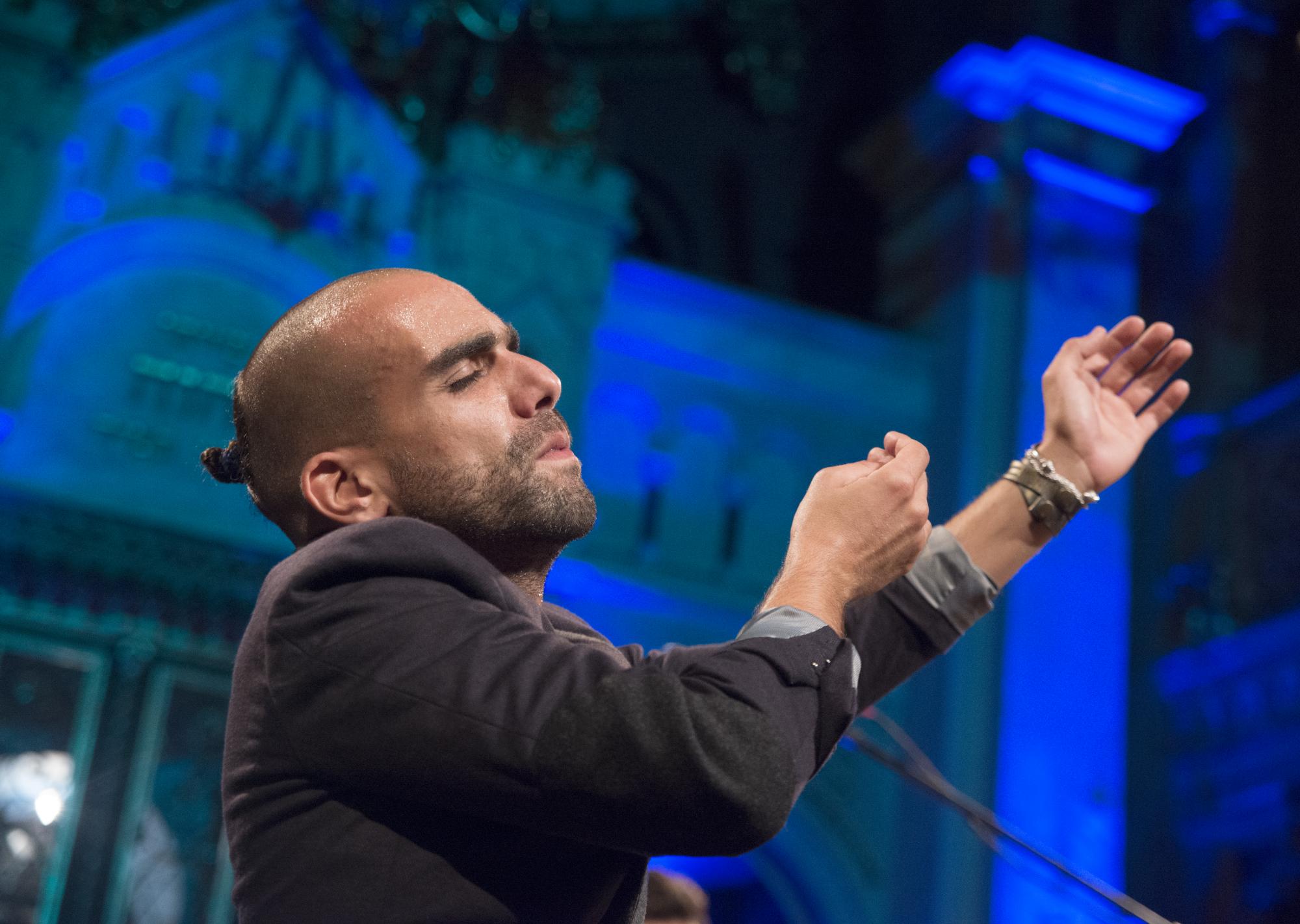 פרשנות חדשה למסורת נשית עתיקה – ראיון עם יגאל גולסא מזרחי מלהקת GULAZA