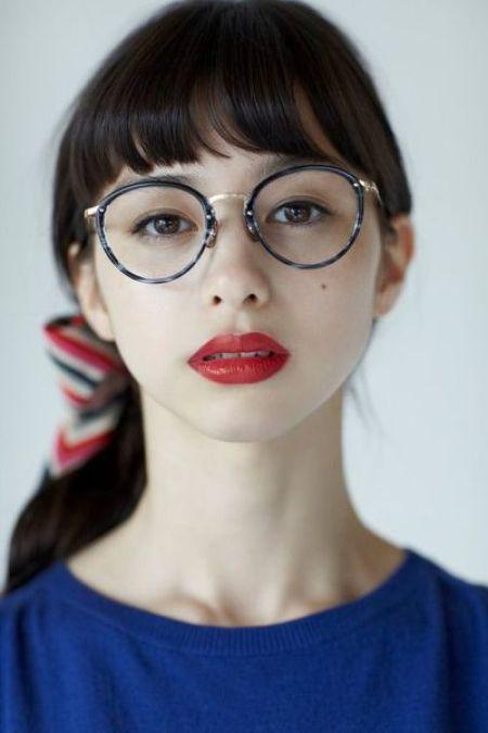 9798b0bc859bc0 このメガネだけで流行顔になれる!若い女性を中心に大人気のボストンタイプ☆ 縁が大きく小顔効果も期待できますよ♪