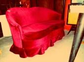 Sofá dos plaza rojo terciopelo