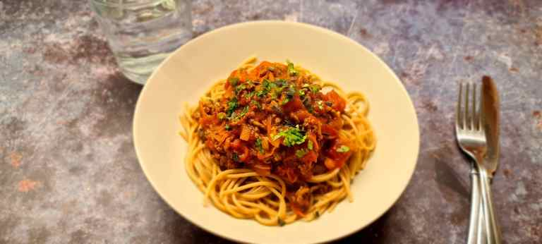 Read more about the article Healthy Spaghetti Bolognese