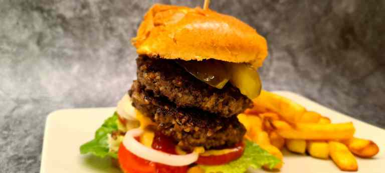Read more about the article Haggis and Beef Burger