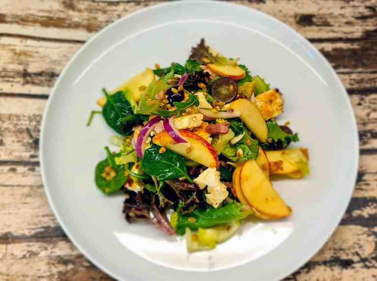 Read more about the article Bacon, Apple, and Spelt Salad