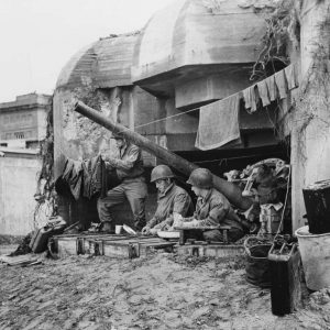 US Army, Normandy Landings American sector, soldiers with laundry in German fortifications [1180]