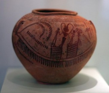 Fig. 1: Amratian ceramics with boat designs. Naqada II, 3450-3350 BC.