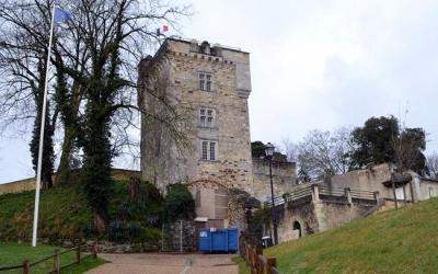 1402 – Château de Montendre : un combat franco-anglais 7 contre 7 en champ clos