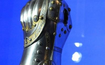 Un gantelet d'armure «fermé» en combat, est-ce historique?
