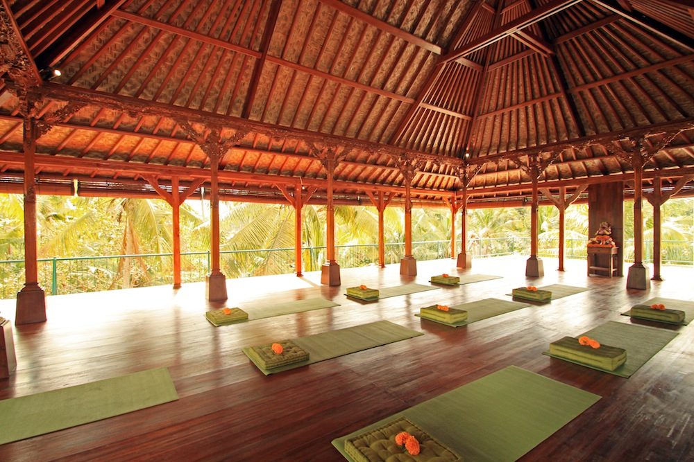 retiro de yoga en ubud come2indonesia