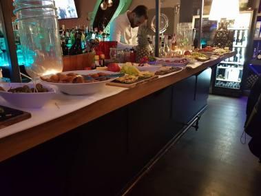 Bar à Vin - Come à la Cave - Champagnes - Gins - Cocktails - Tapas - Afterwork - Happy Hour - Terrasse - Music Live - Robin du la Concept Store (2)