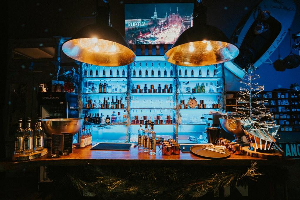 Come à la Cave - Wine Bar- Cocktails - Champagne - Events - Live Music & Djs - Robin du Lac Concept Store - Luxembourg (11)
