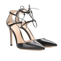 Style-Test: Luxury vs. Budget - Gianvito Rossi Lace Up Pumps