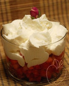 Tartar de fresas y chantilly de rosa (11)