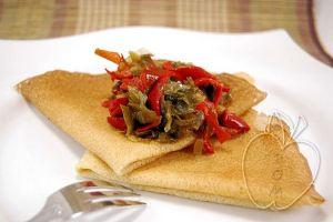 Creps crujientes de harina de arroz con sofrito de pimiento