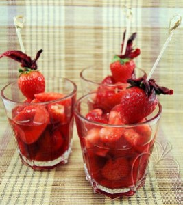 Sopa templada de fresas y karkadé (7)