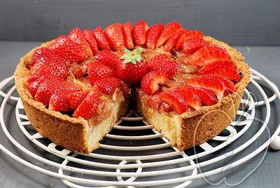 Tarta de ruibarbo y fresas con frangipane al estil-copia-3