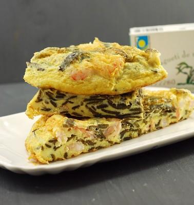 Tortilla de espagueti de mar y gambitas (8)