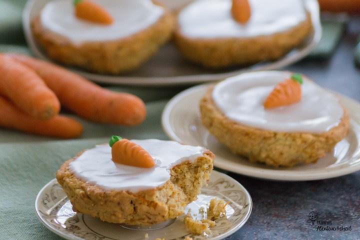 Kekse mit Karotten und Zuckerguss für Ostern