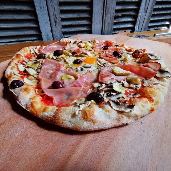 CAPRICCIOSA – COME À LA PIZZA