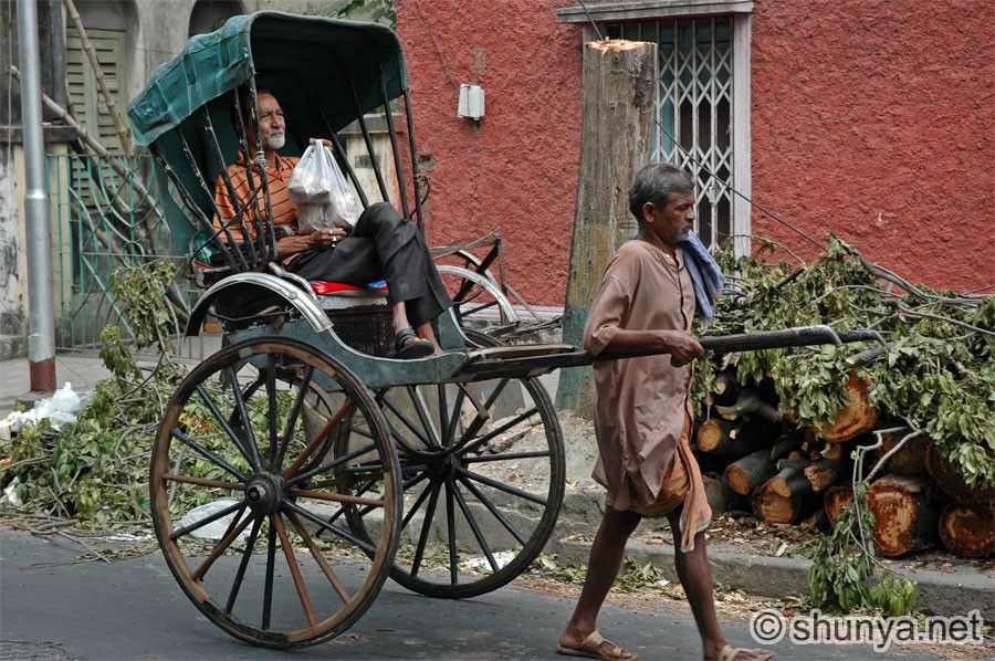 Kolkata Human-driven Rickshaws